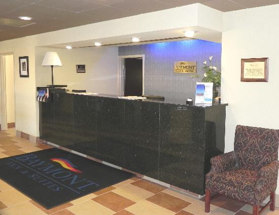 Baymont Inn & Suites Greenville: Lobby