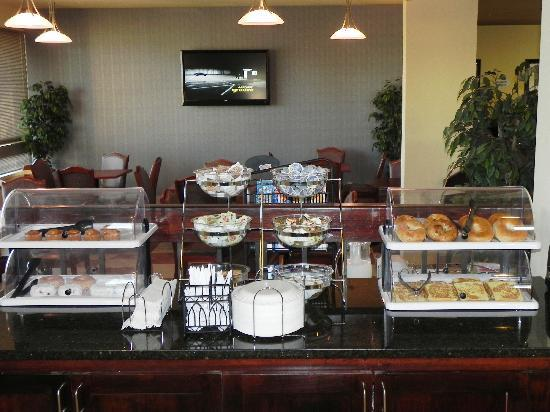 Baymont Inn & Suites Greenville: Breakfast