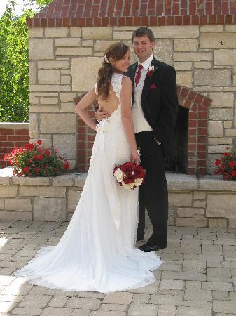 TimberCreek Bed & Breakfast: Patio Weddings