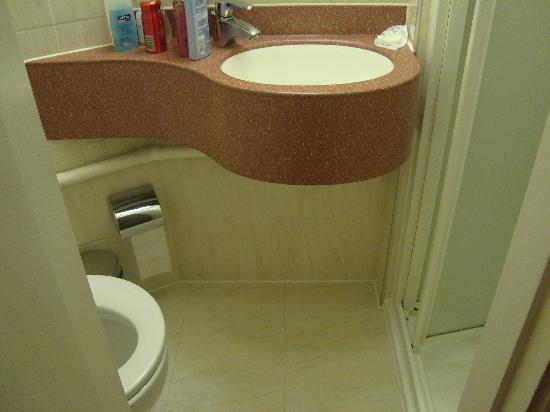 Nayland Hotel: Salle de bain