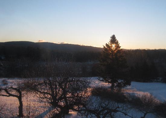 Elliot House Bed & Breakfast : view at sunset