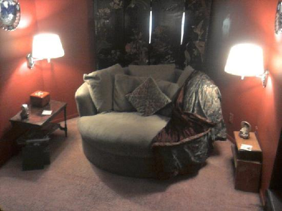 Lyons Twin Mansions: Nice little sitting area