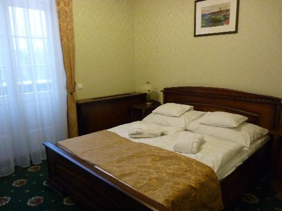 Hotel Eger & Park : Bed
