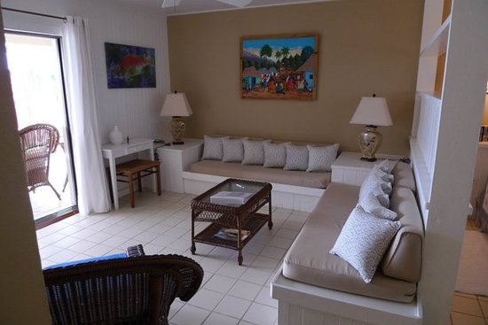 The Meridian Club Turks & Caicos: Suite Lounge