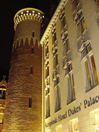 Hotel Dukes' Palace Bruges: View from window