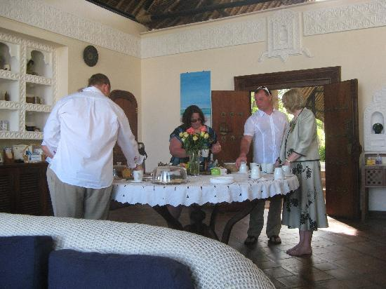 Diani Blue: Tea time - the best time of day!