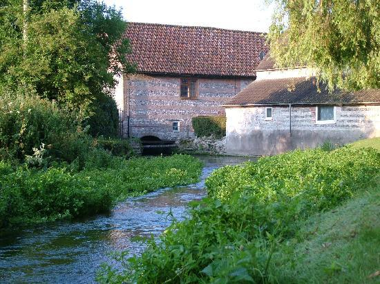 Field Farmhouse: Watermill in Godmanstone