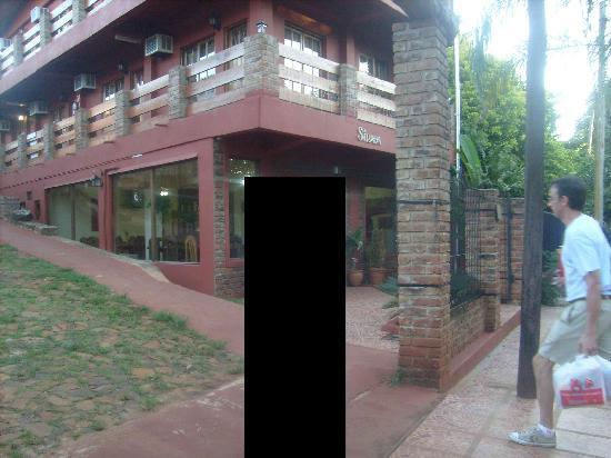 La Strada: Entrada y restaurant