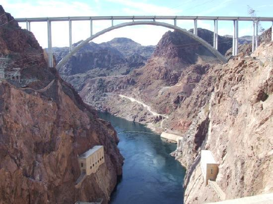 Guided Vegas Tours : Recently opened Interstate bridge downriver from dam