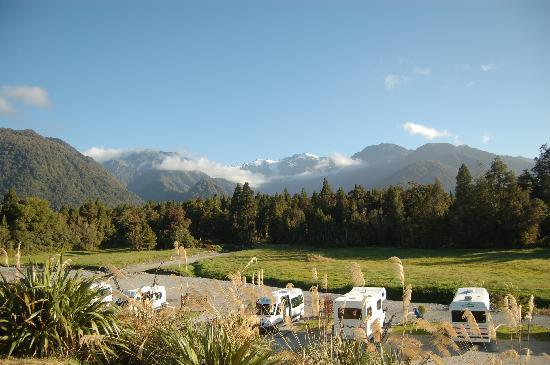 Franz Josef TOP 10 Holiday Park : Pitches and Mountains
