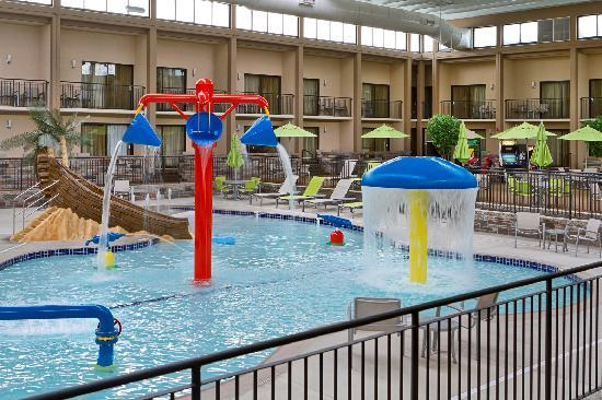 Best Western Plus Bloomington Hotel: Enjoy our indoor pool and water playland!