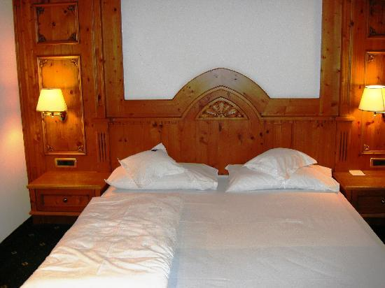 Hotel Savoy: Bed