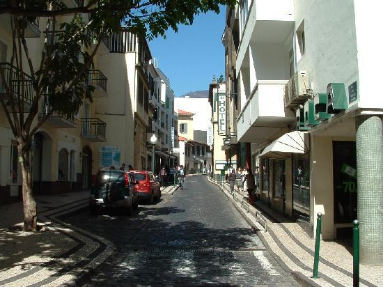 "Windsor Hotel: Rua da Hortas ""The street where we live?"""