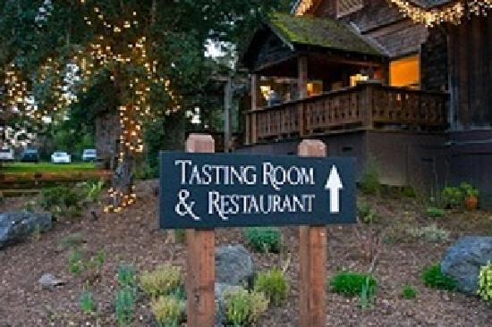 Russian River Vineyards Restaurant Farm & Tasting Lounge: Wine and Dine with us!