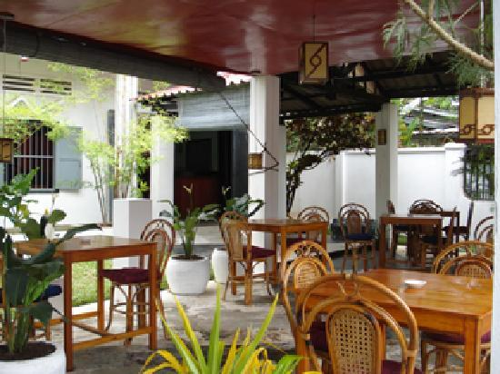 Green Mood Guesthouse: green mood restaurant