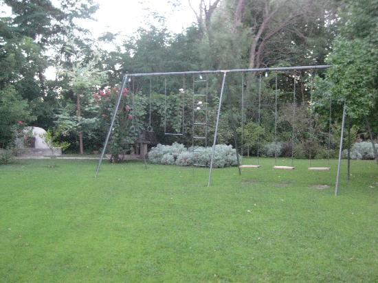Casa Glebinias: swing set