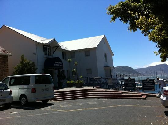 Simon's Town Quayside Hotel and Conference Centre: entrance