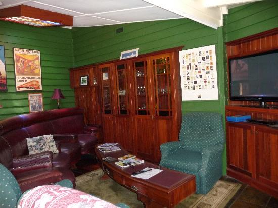 Bridgefield Guest House: Common Lounge Area