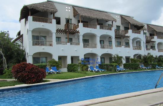 Valentin Imperial Riviera Maya: building 7 swim up suite