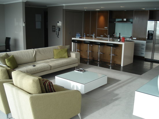 Sacred Waters Taupo Luxury Apartments: view of the living room and kitchen