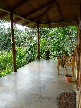 Casitas Tenorio B&B: The front porch of our cabin