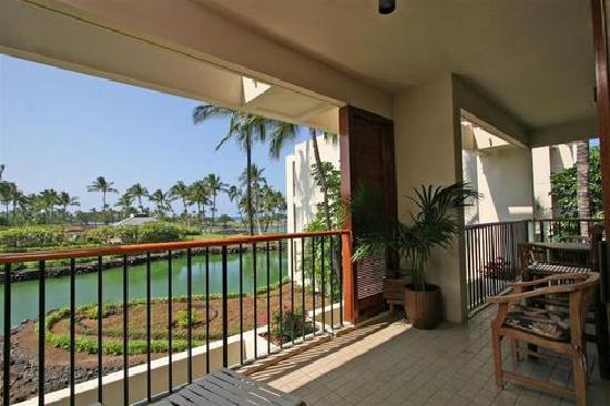 Mauna Lani Terrace Condominiums: partial balcony view