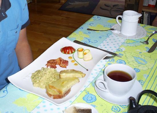 Le Gite les 13 Lunes : le plat principal du petit-déjeuner