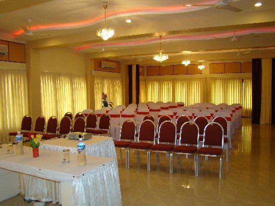 Rasal Beach Resort & Vista Rooms: Conference Hall