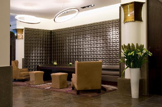 ماريفو هوتل: Reception Lounge 2