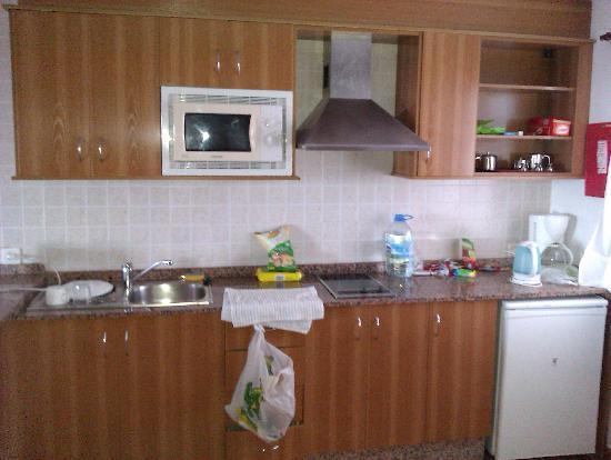 Las Colinas: kitchen