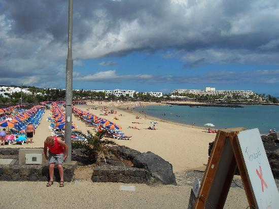 Las Colinas: beach