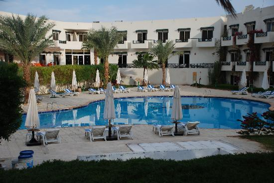 Paradise Inn Group for Hotels & Resorts: Hotel Pool