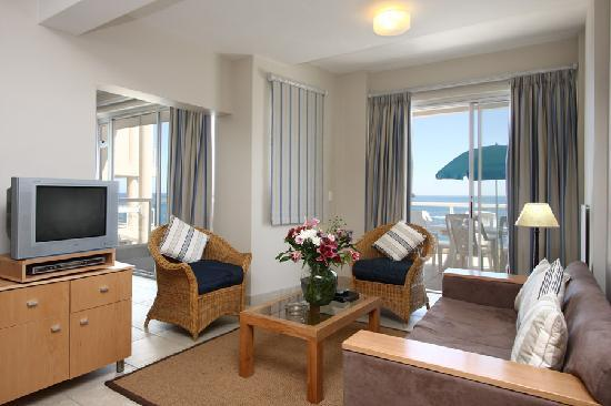Bantry Bay International Vacation Resort: Lounge Area