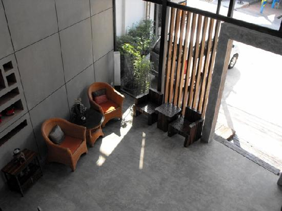 The Album Loft at Nanai Road: Lobby