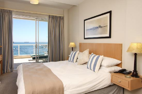 Bantry Bay International Vacation Resort: Bedroom