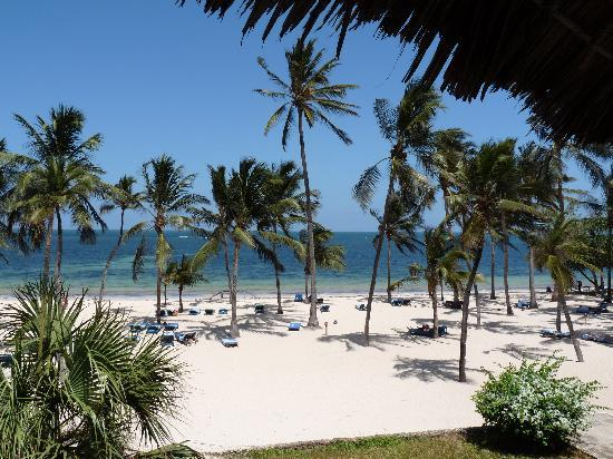 Sandies Coconut Village : vista spiaggia dalla camera