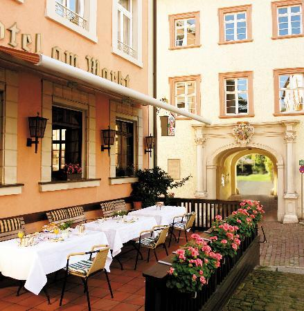 Hotel Am Markt: terrace in the summer
