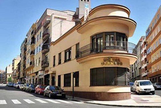 Hostal Granada: Fachada Hostal