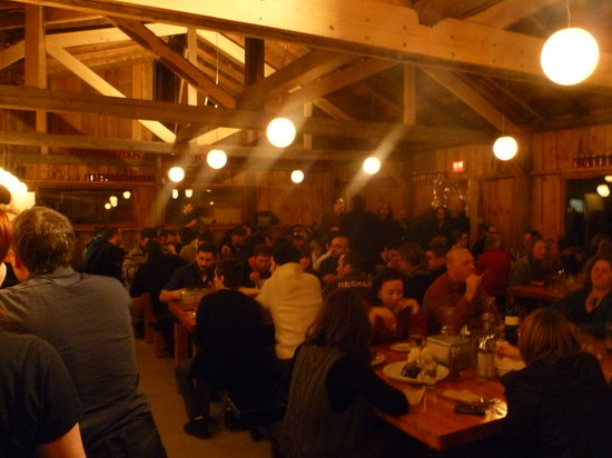 Mirabel, Canada : The sugar shack... full of foodies!