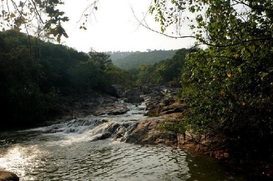 Mai Pen Rai Bungalows: Than sadet waterfalls