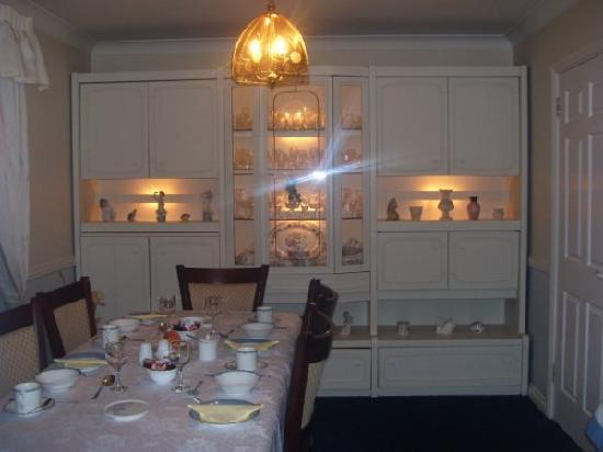 Linderhof Bed & Breakfast : Dining Room