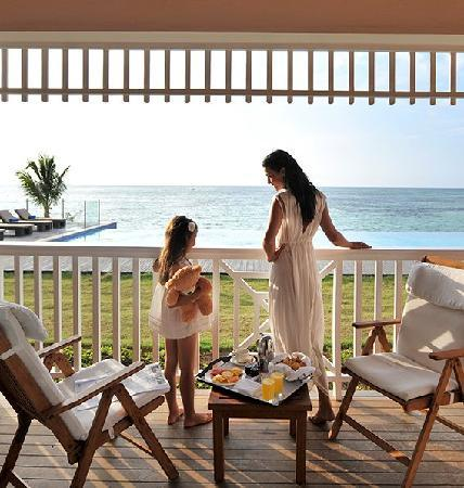 Club Med Punta Cana: Breakfast on the water!
