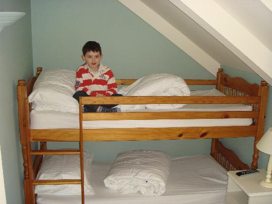 Godolphin Arms: The bunk beds in The Family Room (11)