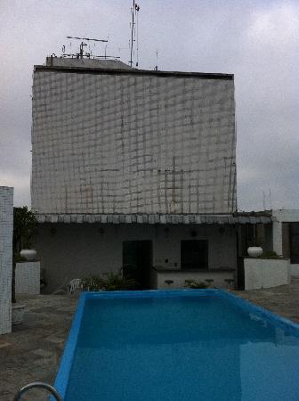 Paulista Wall Street Suítes: Swimming pool view