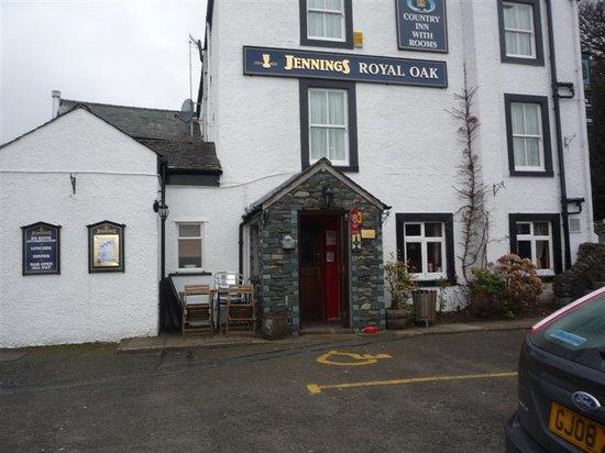 The Royal Oak Braithwaite Restaurant: Outside