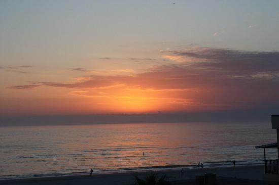 Madeira Beach, FL: Sunset from the patio
