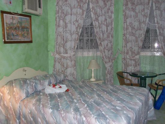 Mariposa Hideaway: inside the room
