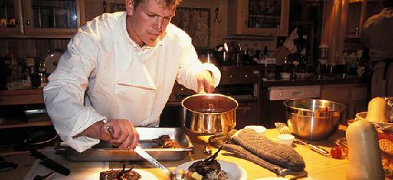 Blue Damsel Lodge on Rock Creek: Chef Preparing Gourmet Dinner