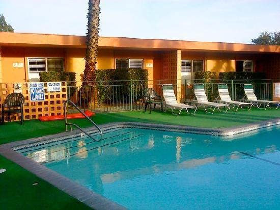 Saga motor hotel pasadena kalifornien omd men och for Saga motor hotel pasadena