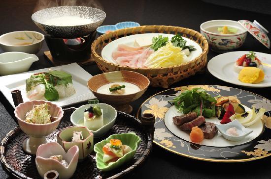 Tokinenoyado Yunushiichijo: 森の晩餐という名の夕食。